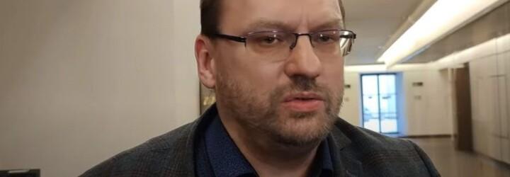 Poslanec Volný má za rvačku ve Sněmovně zaplatit pokutu přes 90 tisíc korun