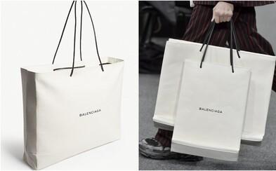 Balenciaga predstavila obyčajnú nákupnú tašku, za ktorú si pýta 2000 eur