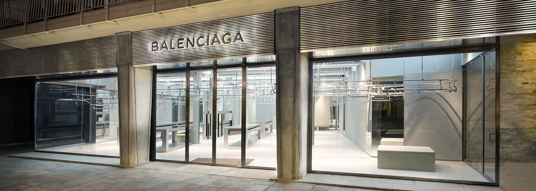 Balenciaga vytvorila ľadvinku, ktorú pokreslila graffiti tagmi. Pýta si za ňu 1200 eur