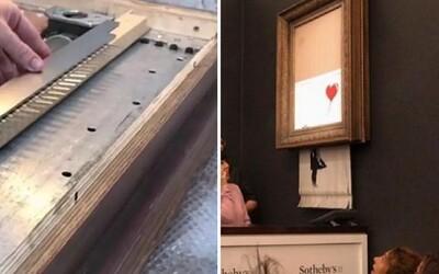 Banksy odhalil, jak skartoval obraz za 30 milionů korun. Páteční prank zvládl díky speciálně upravenému rámu