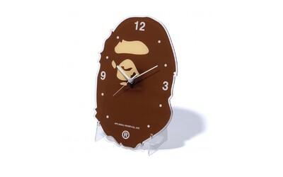 Bape uvede do prodeje čtveřici nástěnných hodin. Nechybí ikonická kamufláž