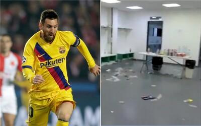 Barcelona po výhře nad Slavií nechala v kabinách obrovský nepořádek. Video ukazuje odpadky všude po zemi