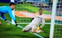 Barcelona strelila očividný gól, ktorý jej rozhodca neuznal. Internet sa dobre zabáva aj smúti nad tým, že arbitri zrejme trpia slepotou