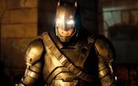 Batman a Superman sa vo veľkolepom traileri snažia o najepickejší súboj roka, pri ktorom sa otrasú kiná