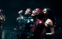 Batman buduje alianciu na boj proti blížiacej sa armáde nepriateľa. Tímovka Justice League sa po dvojici trailerov pripomína ďalšou ukážkou