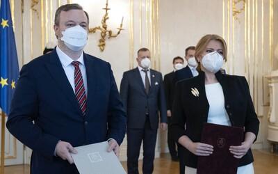 Prezidentka opäť vymenovala Milana Krajniaka za ministra práce.
