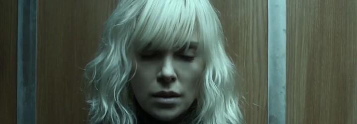 Sexy Charlize Theron vyšetruje ako tajná agentka vraždu svojho kolegu v thrilleri od režiséra Johna Wicka
