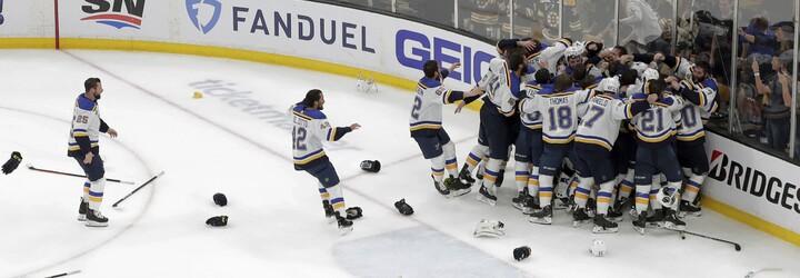 V lednu byli nejhorším týmem v NHL, dnes oslavují první Stanley Cup v historii klubu. St. Louis Blues porazili Pastrňákův Boston