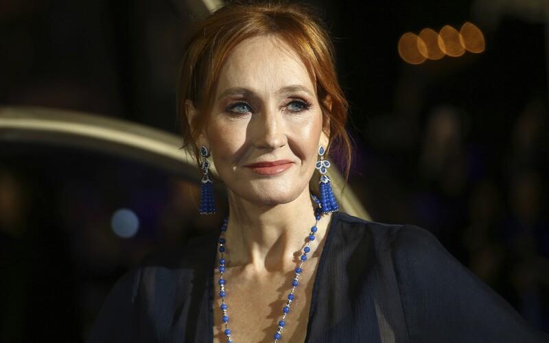 J. K. Rowling do své nové knihy použila obrázky od českých dětí.