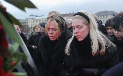 Během minulých státních smutků nejezdilo MHD a rádio vysílalo ticho. Česko truchlilo za 11. září, smrt Havla a teď i Gotta
