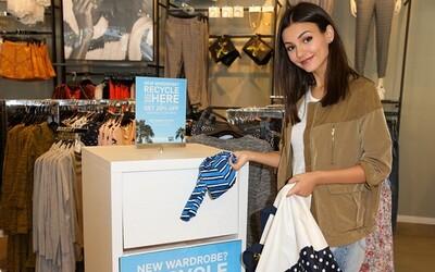 Během týdne recyklování chce H&M vysbírat 1000 tun použitého oblečení a pomáhá i zpěvačka M.I.A.