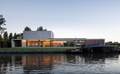 Belgická vila, do ktorej sa na prvý pohľad zamiluješ. Spojenie betónu s drevom či vlastný nočný klub z nej robia vysnívané bývanie