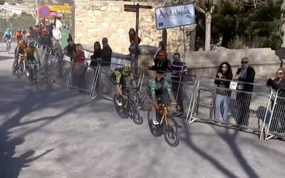 Belgický cyklista prišiel o víťazstvo.V záverečnom špurte zle odbočil
