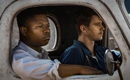 Bělocha a černošku zatkli, protože jejich manželství bylo zakázané. 10 filmů a seriálů o rasismu, které ti rychle otevřou oči