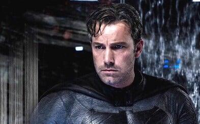 Ben Affleck skončil s Batmanom kvôli stresu a depresiám. Jeho priatelia sa obávali, že sa upije k smrti, ak sa roly nevzdá