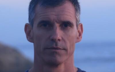 Ben prepláva 8 851 kilometrov cez Tichý oceán, aby upozornil na plastový odpad