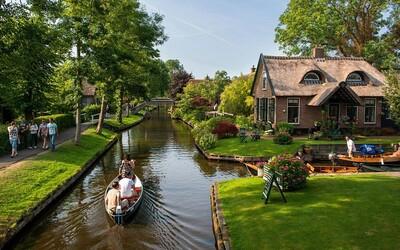 Benátky severu najdete v Holandsku. Čisté kanály, centrum bez aut nebo zajímavá architektura láká mnoho zvědavců
