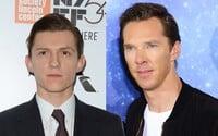 Benedict Cumberbatch stvárni slávneho Thomasa Edisona v rivalskom boji o praktické zavedenie elektriny. A pomôže mu v tom Tom Holland