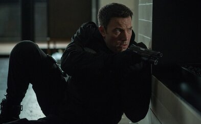Benu Affleckovi dýchá policie na paty, protože pere peníze nejnebezpečnějším zločincům v očekávaném filmu The Accountant
