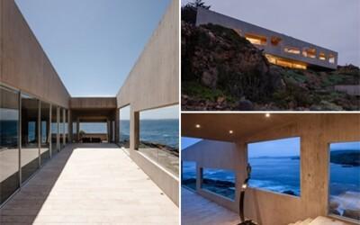 Betónový dom v Čile zasadený do skalnatého svahu poskytuje fantastický výhľad na oceán, ktorý očarí snáď každého