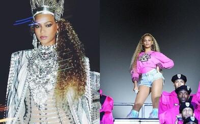 Beyoncé a Coachella po druhé. Nechýbali premyslené outfity ani pád priamo na pódiu