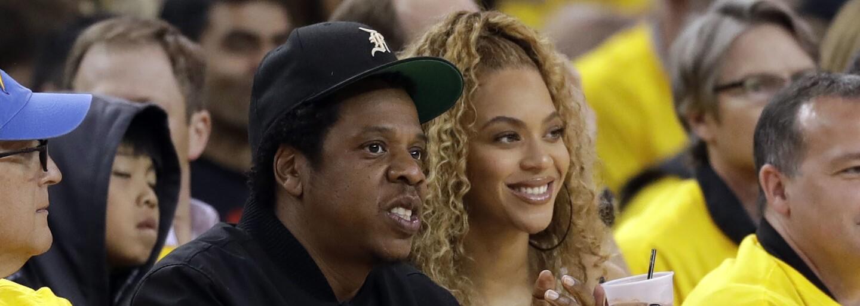 Beyoncé a Jay-Z zverejnili vlastnú zbierku intímnych fotiek. Nechýbajú odhalené zadky či polonahé leňošenie v posteli