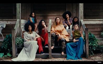 Beyoncé sa pripomína vynikajúcim vizuálom ku skladbe All Night, v ktorom sa objavuje aj jej celá rodina vrátane Jay Z-ho