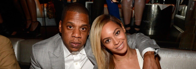 Beyoncé usedla za klavír a věnovala píseň svému manželu k sedmému výročí svatby. Samotný Jay Z natáčí i video