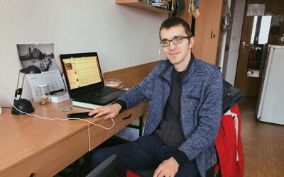 """Po 12 rokoch je Ján """"Info"""" Šutý konečne bakalár. Večný študent prvýkrát úspešne zoštátnicoval."""
