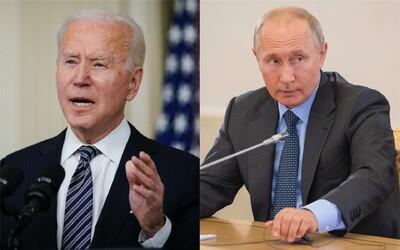 Biden uvalil další sankce na Rusko a vyhostil 10 diplomatů