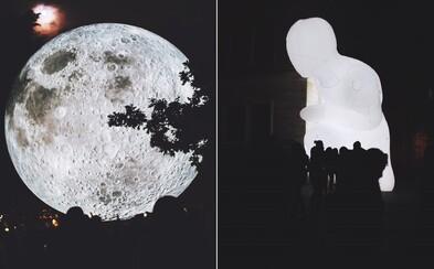 Biela noc bola úchvatným zážitkom aj pre tých, čo sa v umení nevyznajú. Fascinujúce kúsky nás očarili na nábreží i v centre