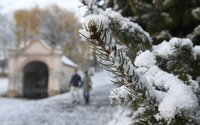 Biela sobota s bielou prikrývkou. Po teplých dňoch má v niektorých častiach Slovenska napadnúť až 15 cm snehu