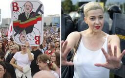Běloruské protesty opět nabírají na síle, v zemi mizí představitelé opozice. Mariu Kolesnikovou unesli maskovaní muži