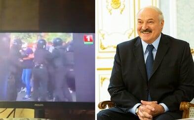 Bieloruskí hackeri sa nabúrali do vysielania televízie, pustili zábery mlátenia demonštrantov