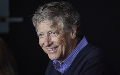 Bill Gates má vzkaz pro nejbohatší země světa: Měly byste začít jíst výhradně 100% umělé maso
