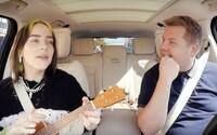 Billie Eilish si zazpívala svůj největší hit v Carpool Karaoke. Zahrála na ukulele a vyprávěla o prvním setkání s Bieberem