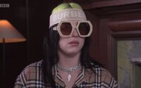 Billie Eilish trvalo vytvoření titulní písně do bondovky 3 dny. Komentáře na Instagramu jí ničily život
