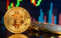 Bitcoin překročil své historické maximum. Vyletěl nad hranici 65 000 dolarů