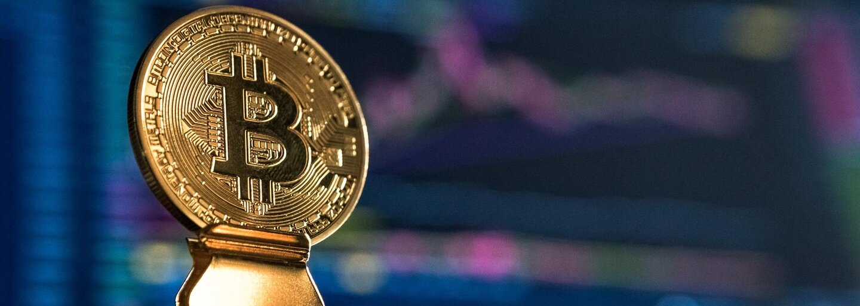 Bitcoin za týždeň padol o vyše 20 percent. Zlomili ho informácie o plánovanej regulácii