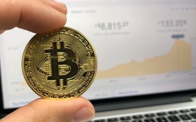 Bitcoin ztrácí hodnotu bleskovou rychlostí. Klesla už pod magickou hranici