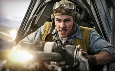 Bitka o Midway je vojnovým filmom s bravúrnymi bitkami odvážnych letcov Japonska a USA, na Pearl Harbor sa ale nechytá (Recenzia)