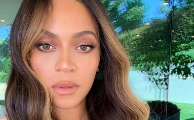 Beyoncé rapuje na protest proti násilí v ulicích: Jsou naštvaní, protože máme tmavou barvu pleti