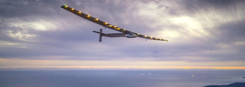 Blíží se konec fosilních paliv? Letadlo poháněné zelenou energií má za sebou cestu kolem světa