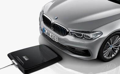 BMW predstavuje bezdrôtovú nabíjaciu podložku pre elektromobily. Plné nabitie vozidla jej trvá približne 3,5 hodiny