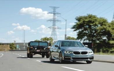 BMW sa vracia k filmom. V tom najnovšom plnom akčných scén si hlavnú úlohu strihla nová 5-ka!