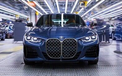 BMW spustilo výrobu novej 4-ky s kontroverznou maskou. Zvykneme si?