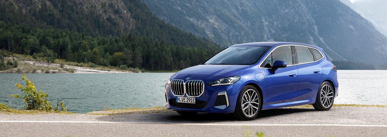 BMW ukázalo novou řadu 2 Active Tourer. Vsadilo na agresivní design, zcela nový kokpit a zejména tříválce