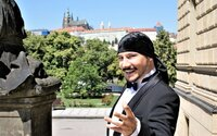 Bohuš Matuš se oženil s o 30 let mladší Lucinkou. Vzali se v dětském parku Krtkův svět