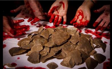 Bojnická zoo bojuje proti obchodovaniu so zvieratami. Silná kampaň s krvavými rukami má upozorniť na nechutné zločiny