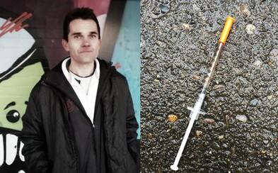 Bol policajt, pasák a teraz je bezdomovec v Pentagone. Prepustili ho z väzenia, no život mu ničí závislosť na heroíne (Rozhovor)